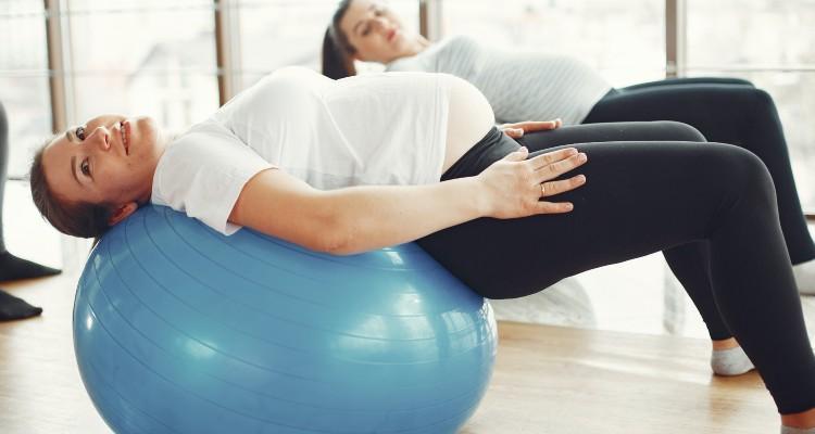 ¿Embarazada puede hacer abdominales? 1