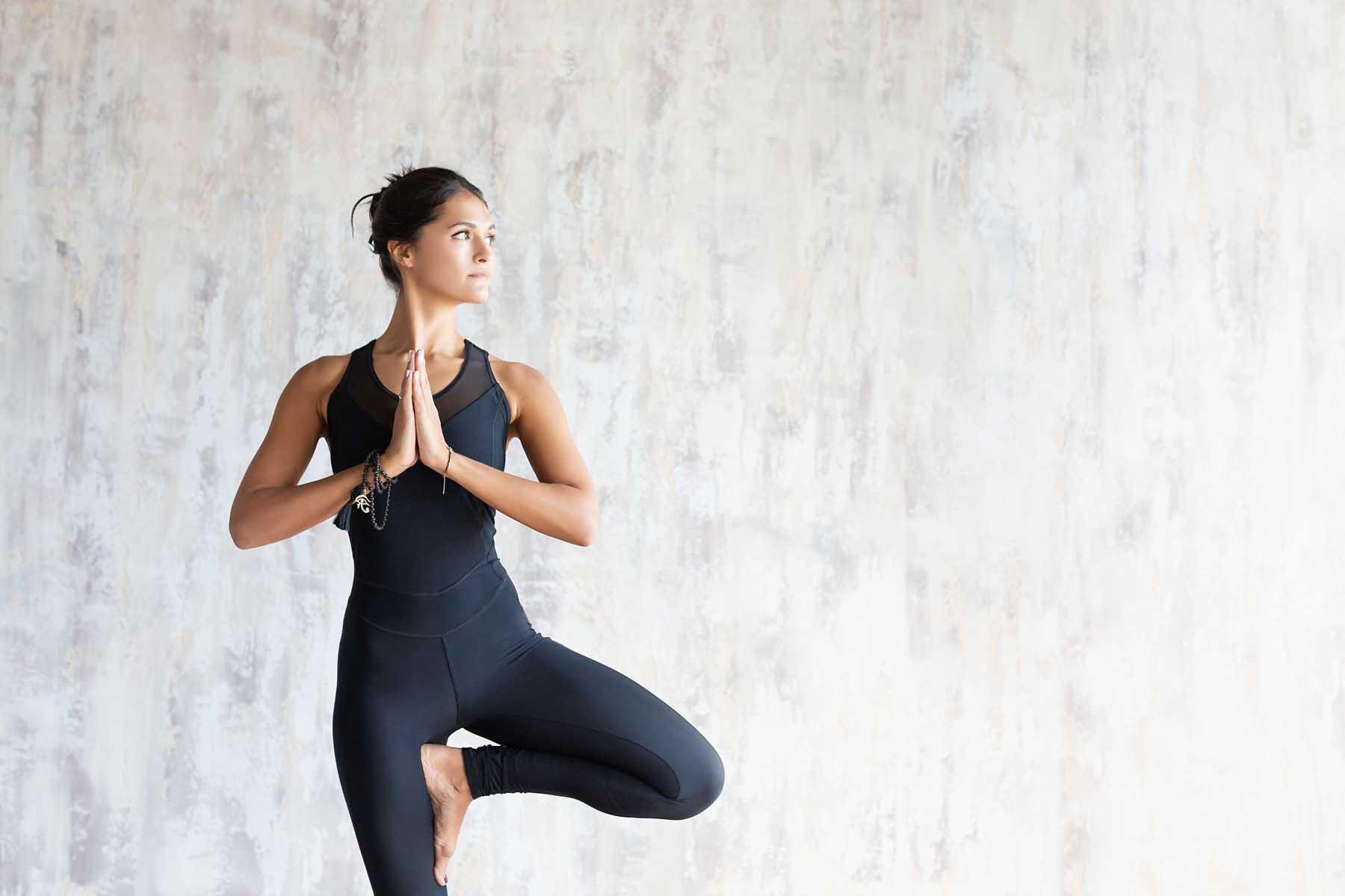 Yoga para principiantes: 10 posiciones para practicar 1
