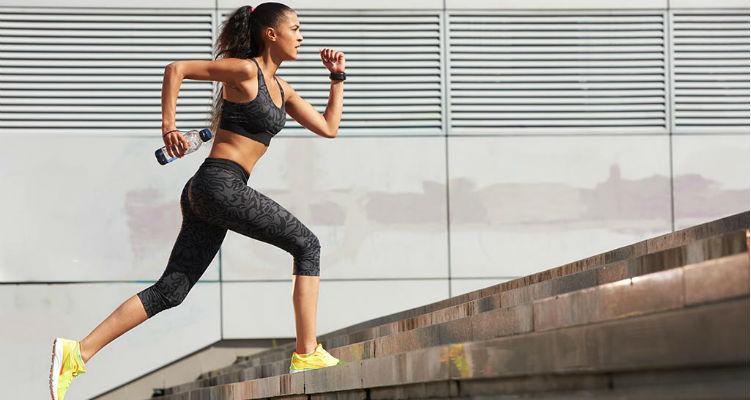8 ejercicios de escalera para bajar de peso y tonificar 2
