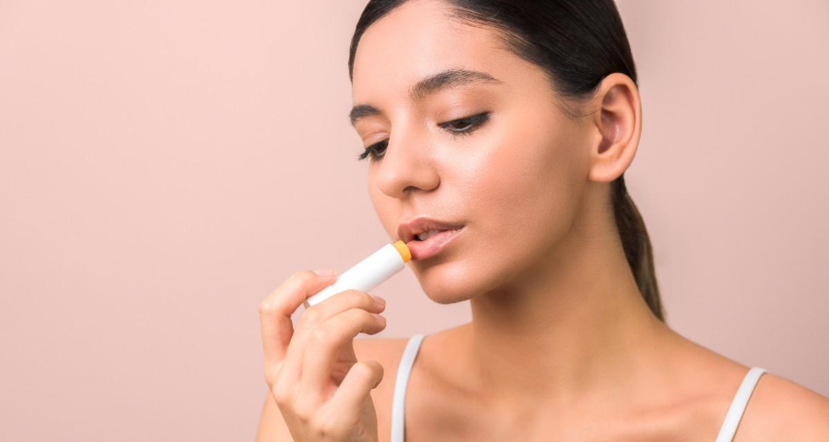¿Qué es bueno para los labios secos? 1