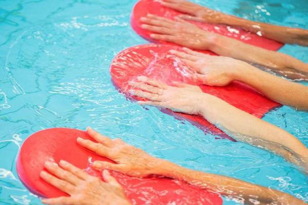 Ejercicios para hacer en la piscina 6