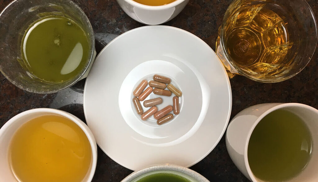 271_image_hires_green-tea-bags-and-drinks-reviewed-by-consumerlab-hires-2020.jpg