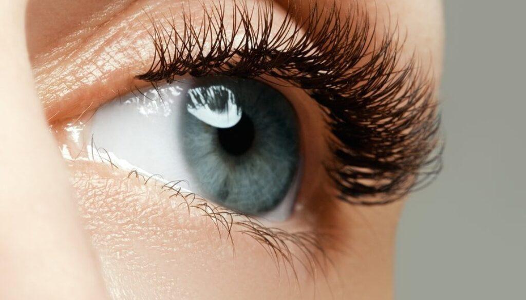 bigstock-Female-Eye-With-Long-Eyelashes-141193190-min.jpg