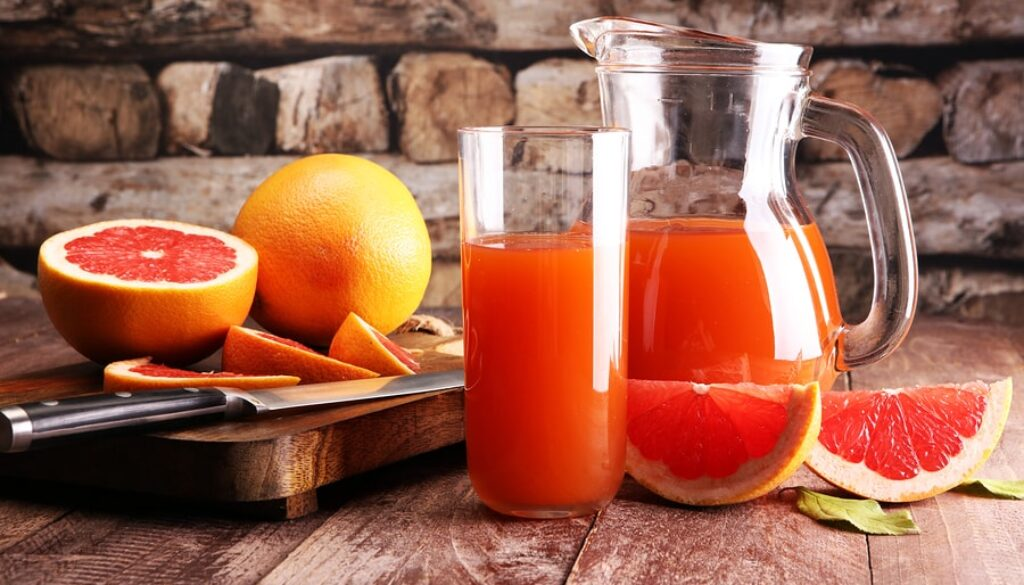 bigstock-Grapefruit-Juice-And-Ripe-Grap-205553566-min.jpg