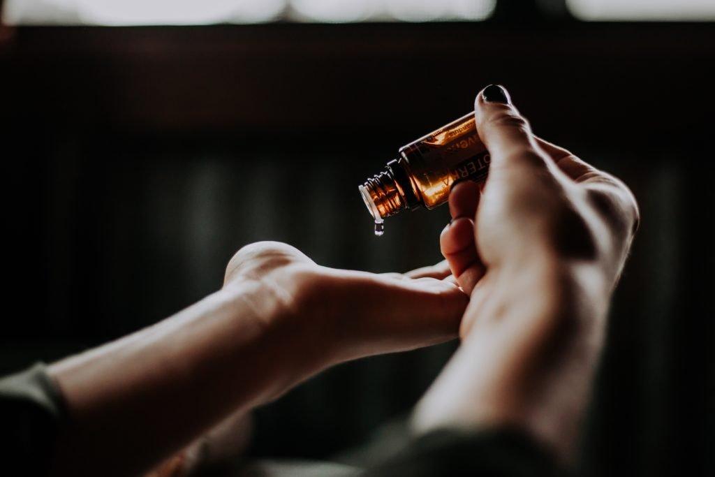 Usos y beneficios del aceite esencial de pachulí 1